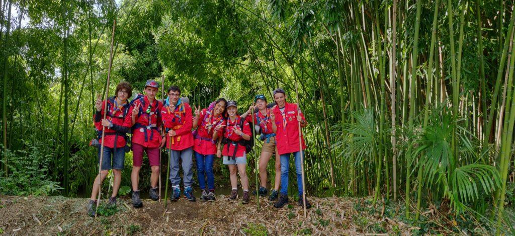 Photo d'une équipe de Pionniers - Caravelles en camps